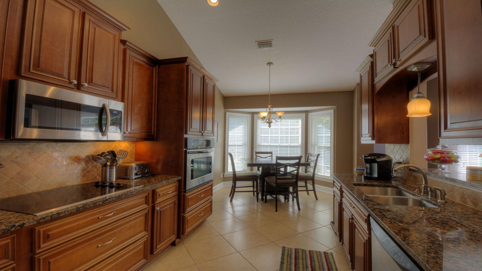 Частный односемейный дом для того Продажа на 560 Freedom Trail Brunswick, Джорджия 31525 Соединенные Штаты