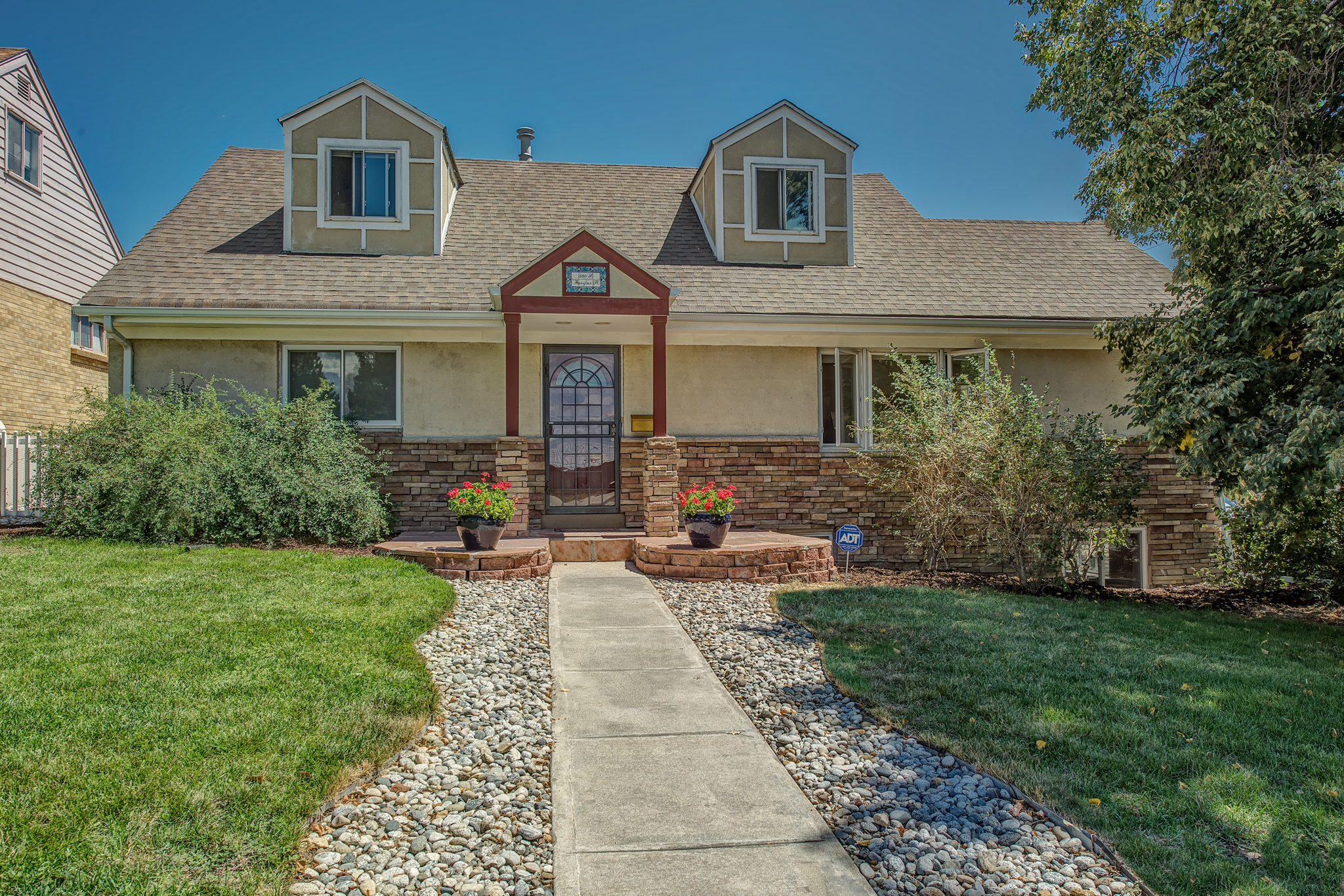 Single Family Home for Sale at Great Location 380 South Fairfax Street Denver, Colorado 80246 United States