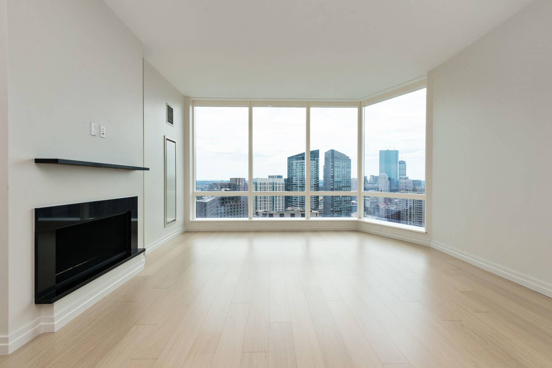 rentals property at Spectacular Corner Residence At Millennium Tower