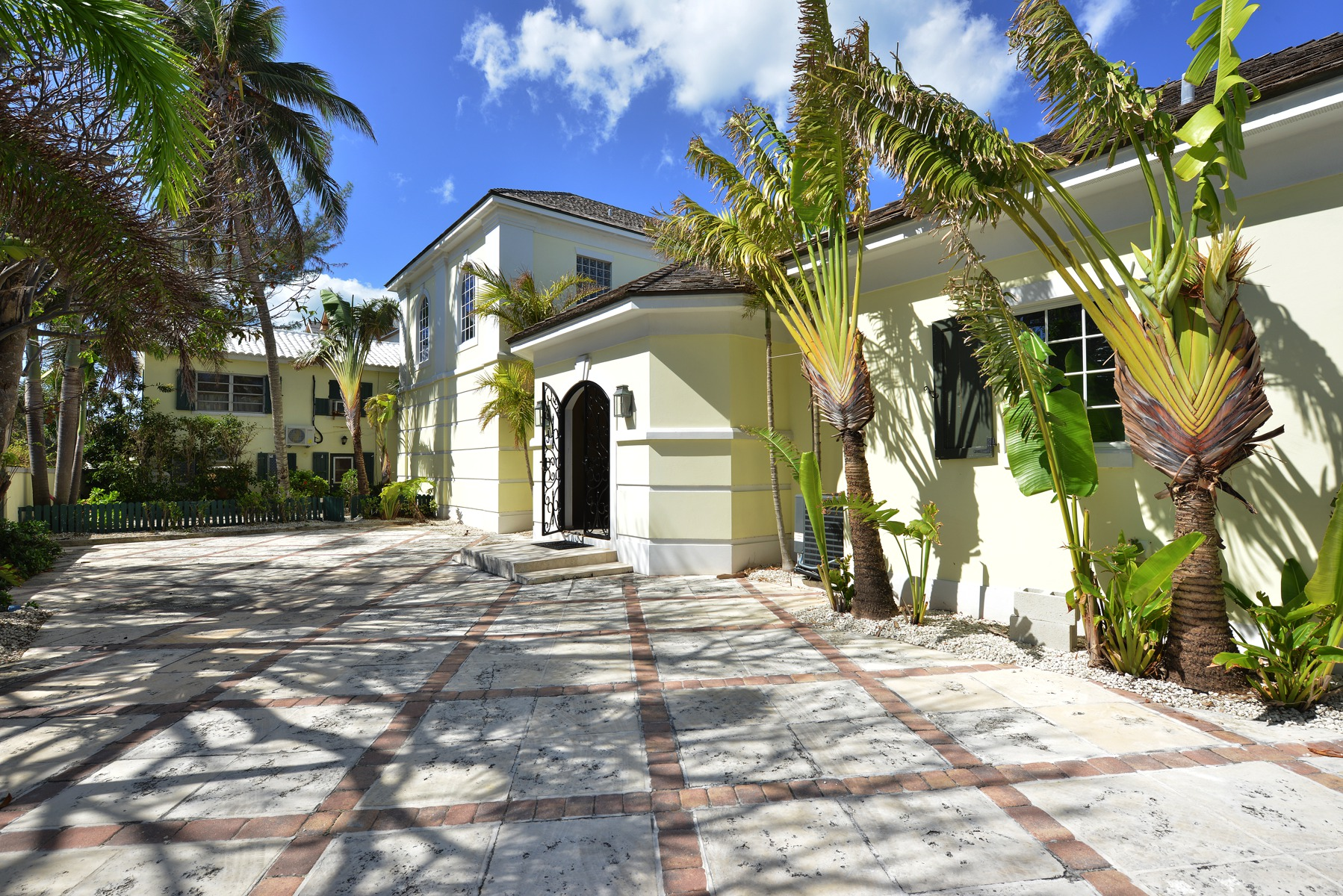 Additional photo for property listing at La Mouette, West Bay Street West Bay Street, Nassau And Paradise Island Bahamas
