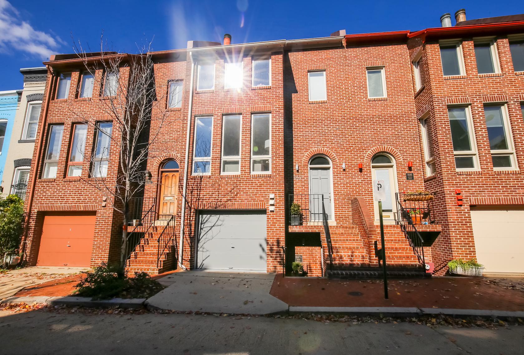联栋屋 为 销售 在 Logan Circle 1507 Church Street NW 华盛顿市, 哥伦比亚特区, 20005 美国