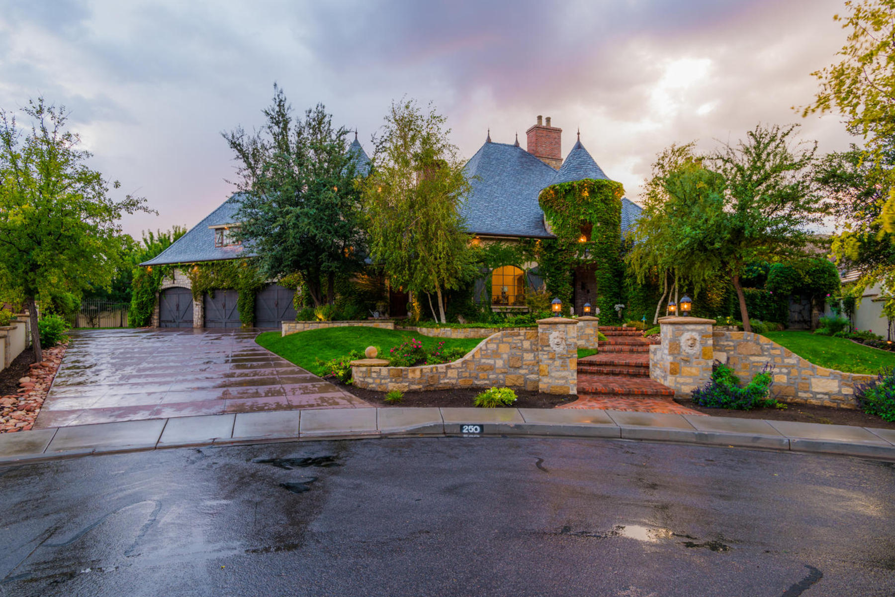 Single Family Home for Sale at Stunning French Country Home 250 Le Grande Cir Santa Clara, Utah 84765 United States
