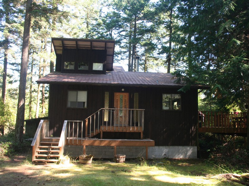 Single Family Home for Sale at Cute Cabin on Shaw Island 283 Sylvan Circle Shaw Island, Washington 98286 United States