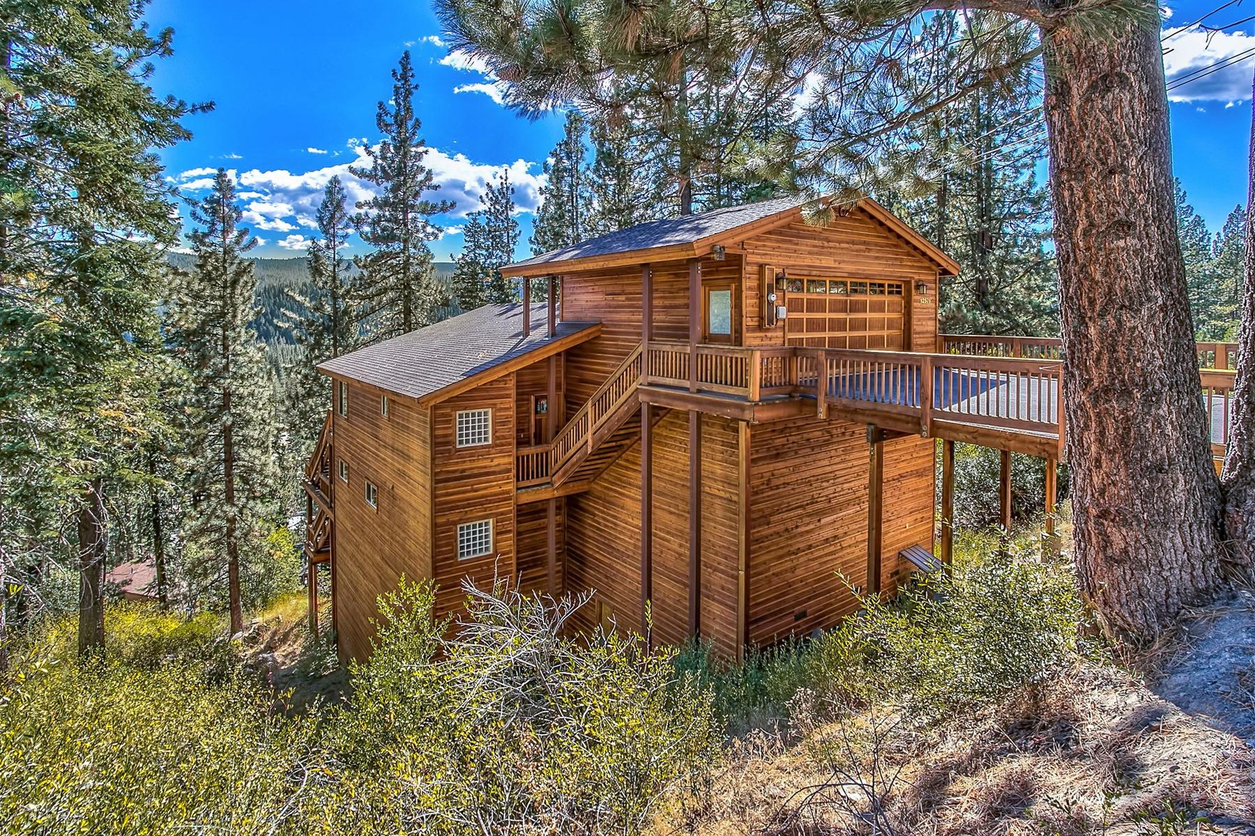 独户住宅 为 销售 在 12571 E Sierra Drive 特拉基, 加利福尼亚州 96161 美国