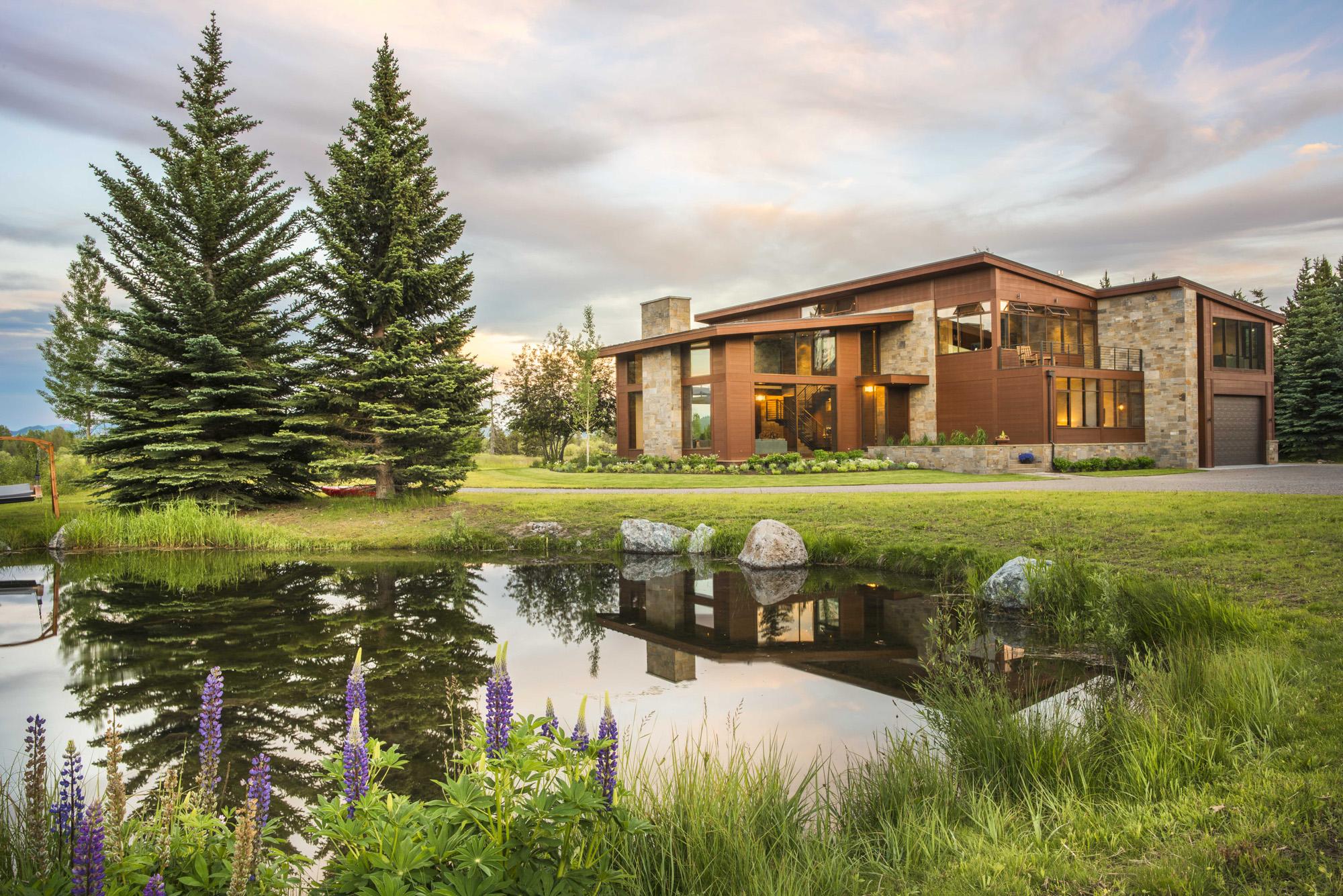 Casa para uma família para Venda às The Serengeti Home 475 S Blue Heron Road Wilson, Wyoming 83014 Estados Unidos