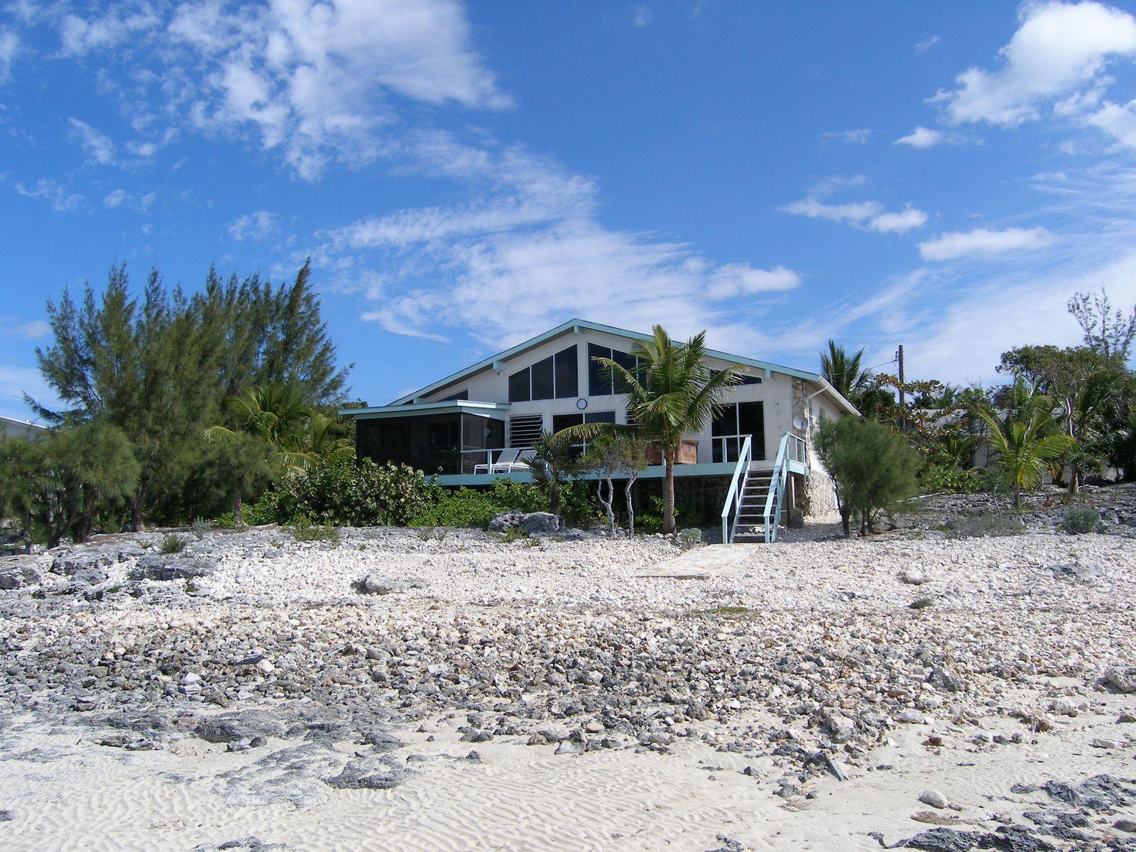 Einfamilienhaus für Verkauf beim Pirate's Venture Palmetto Point, Eleuthera Bahamas