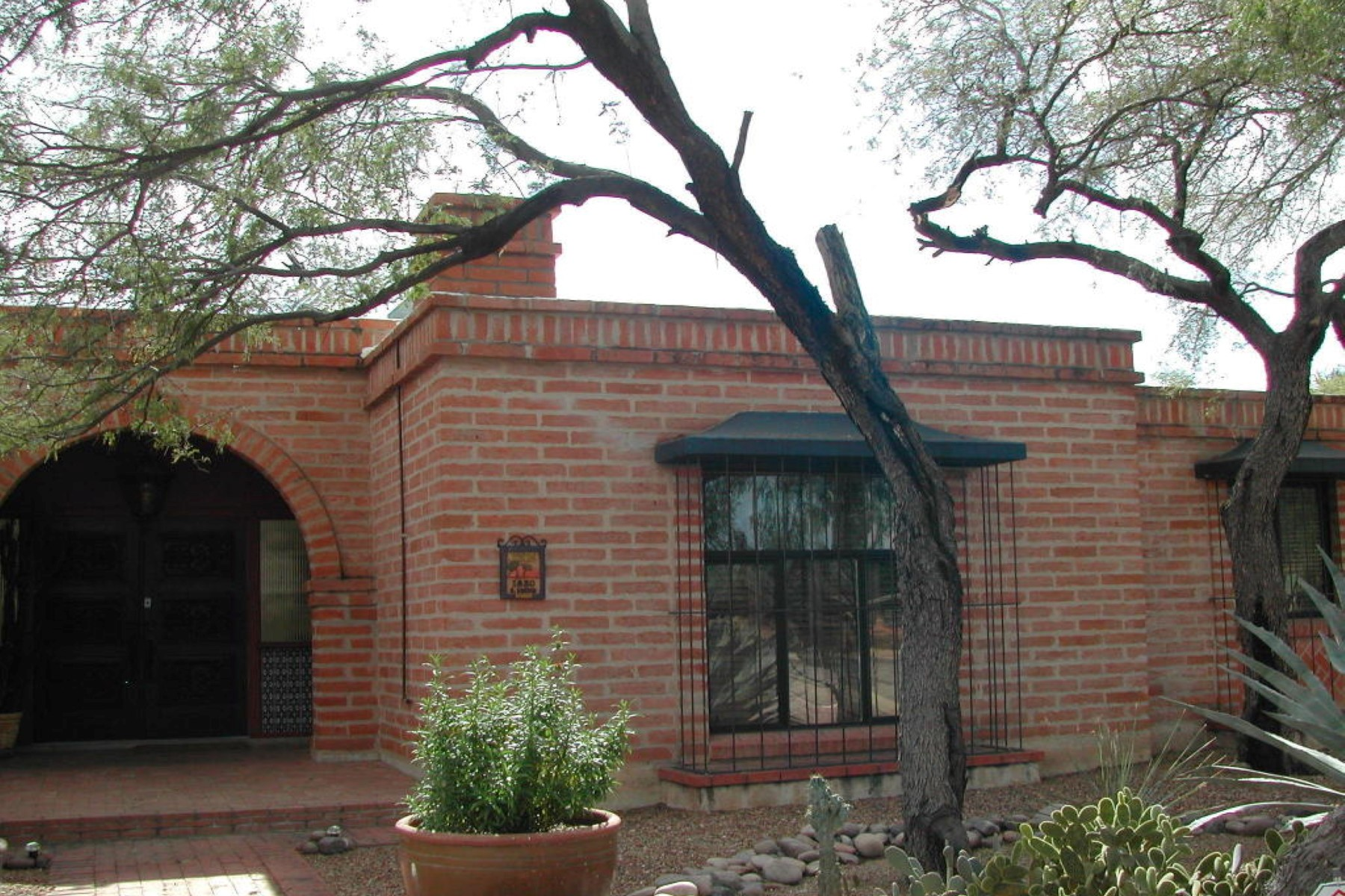 Property For Sale at Charming burnt adobe Tucson territorial in historic Catalina Vista