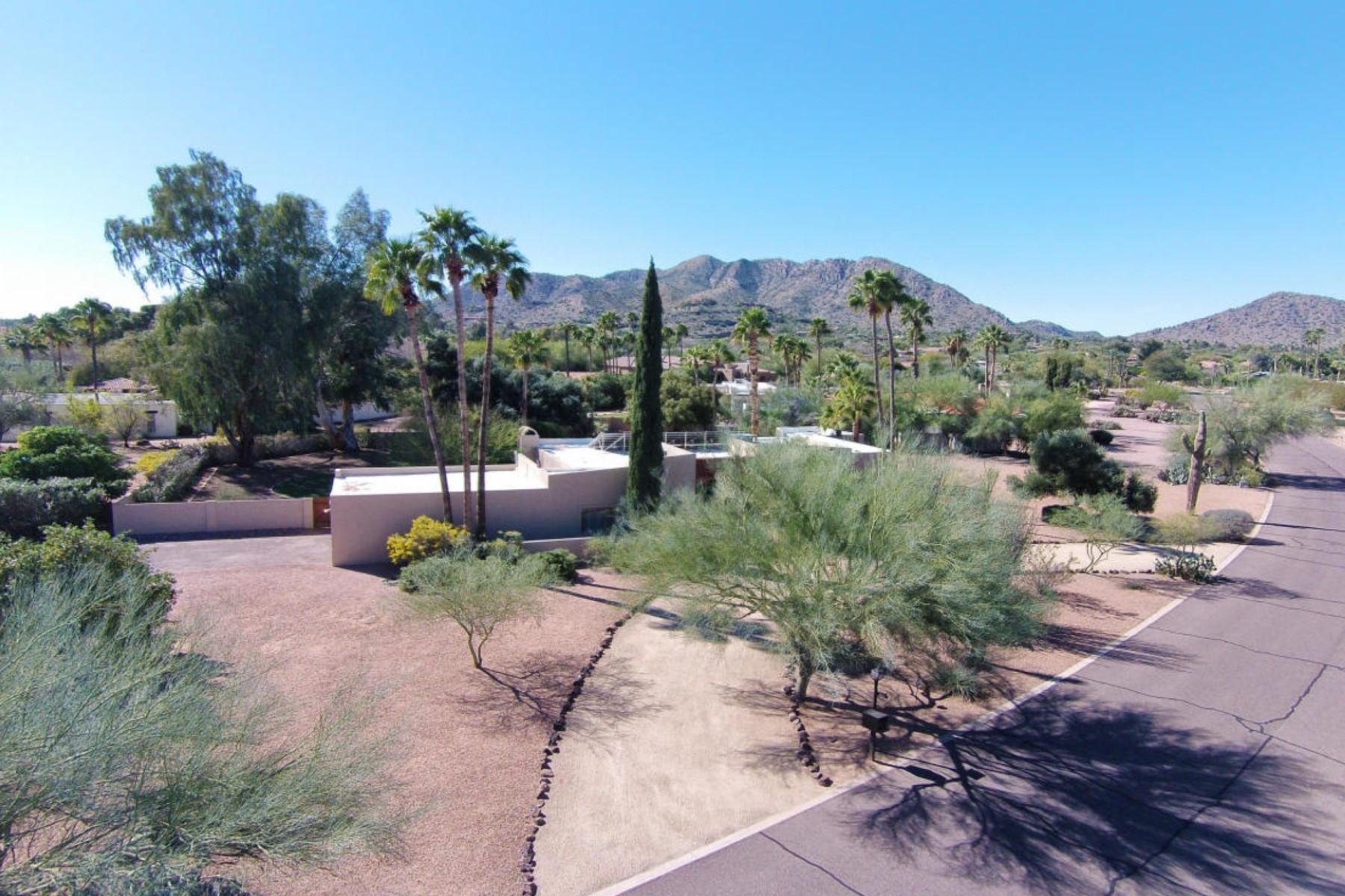 Vivienda unifamiliar por un Venta en One Acre View Property in Paradise Valley 5249 E Orchid Lane #9 Paradise Valley, Arizona 85253 Estados Unidos
