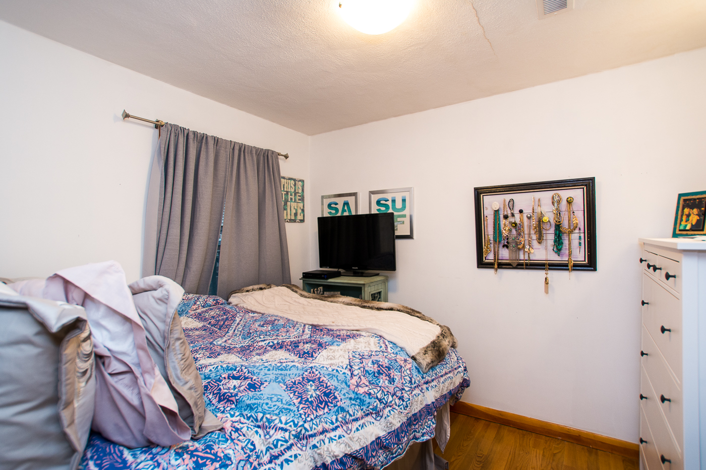 sales property at Best North End Location!