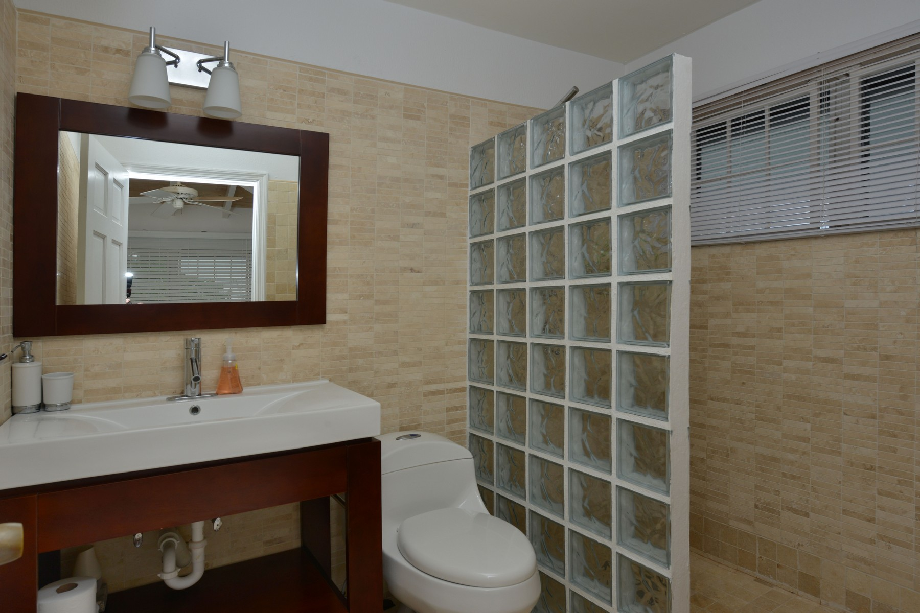 Additional photo for property listing at Swinwood House #1 海湾街, 新普罗维登斯/拿骚 巴哈马