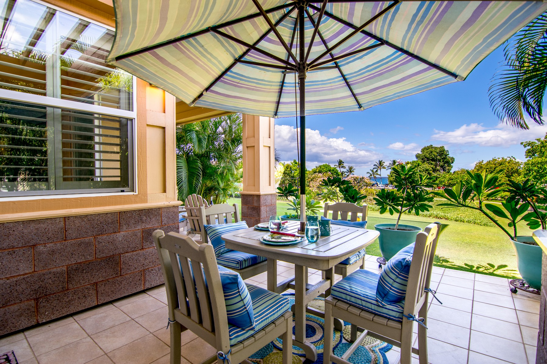 Кондоминиум для того Продажа на Live The Island Life 4 Leanihi Lane, Ke Alii Ocean Villas A105 Kihei, Гавайи, 96753 Соединенные Штаты