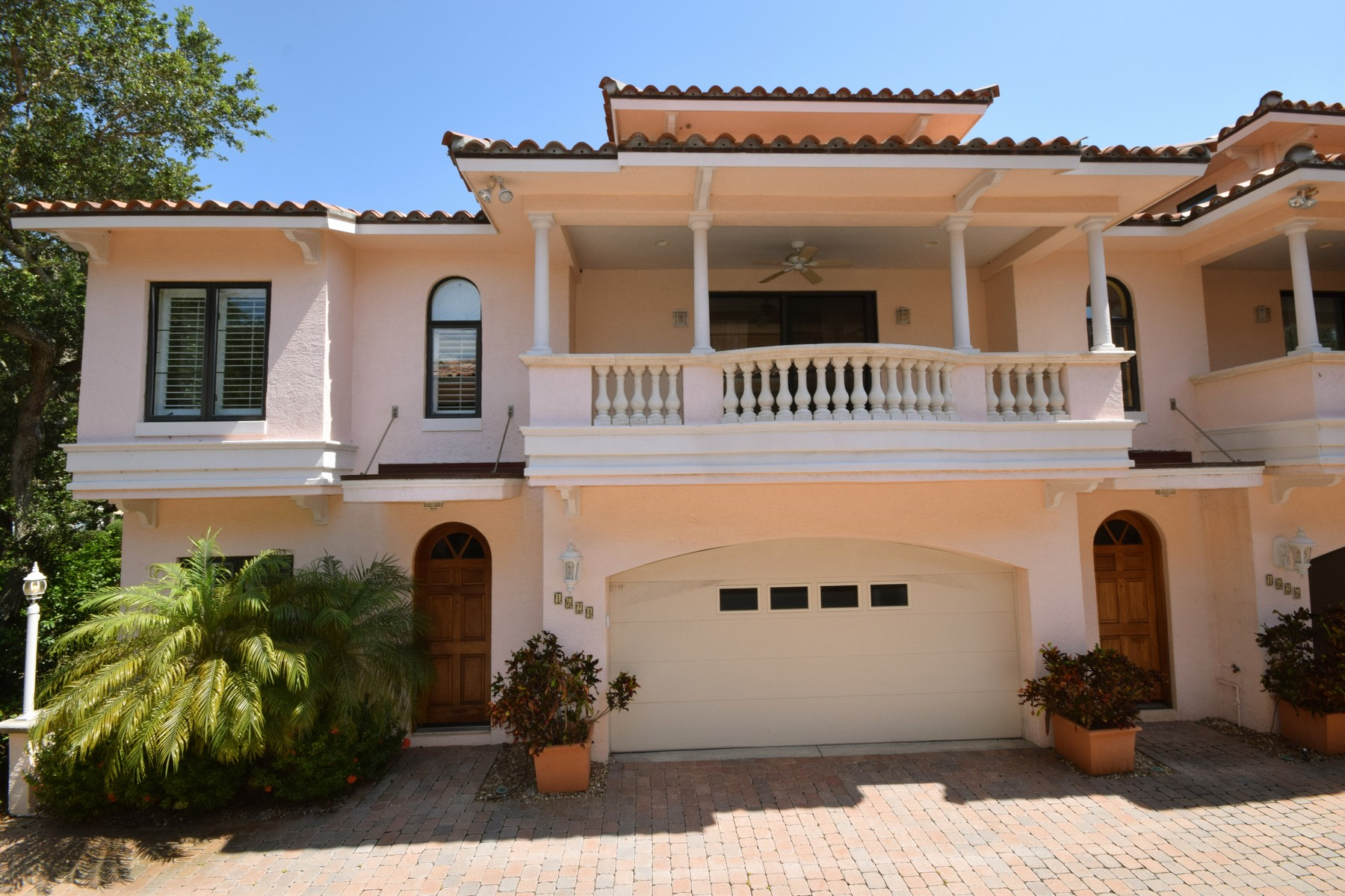 Casa Unifamiliar por un Venta en Contemporary villa by South Beach 1624 Club Drive Vero Beach, Florida 32963 Estados Unidos