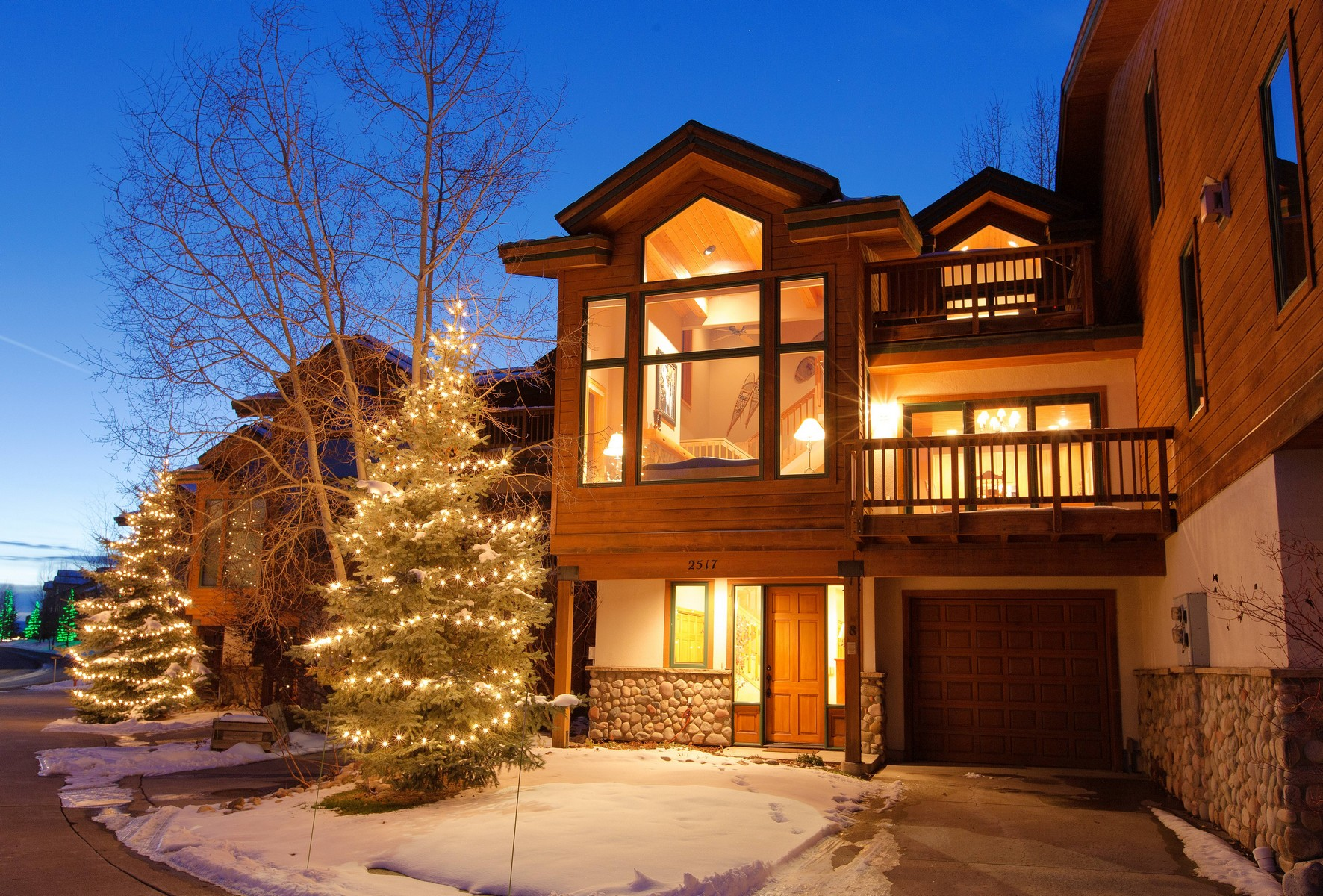 Townhouse for Sale at The Evergreens 2517 Evergreen Lane #8 Steamboat Springs, Colorado 80487 United States