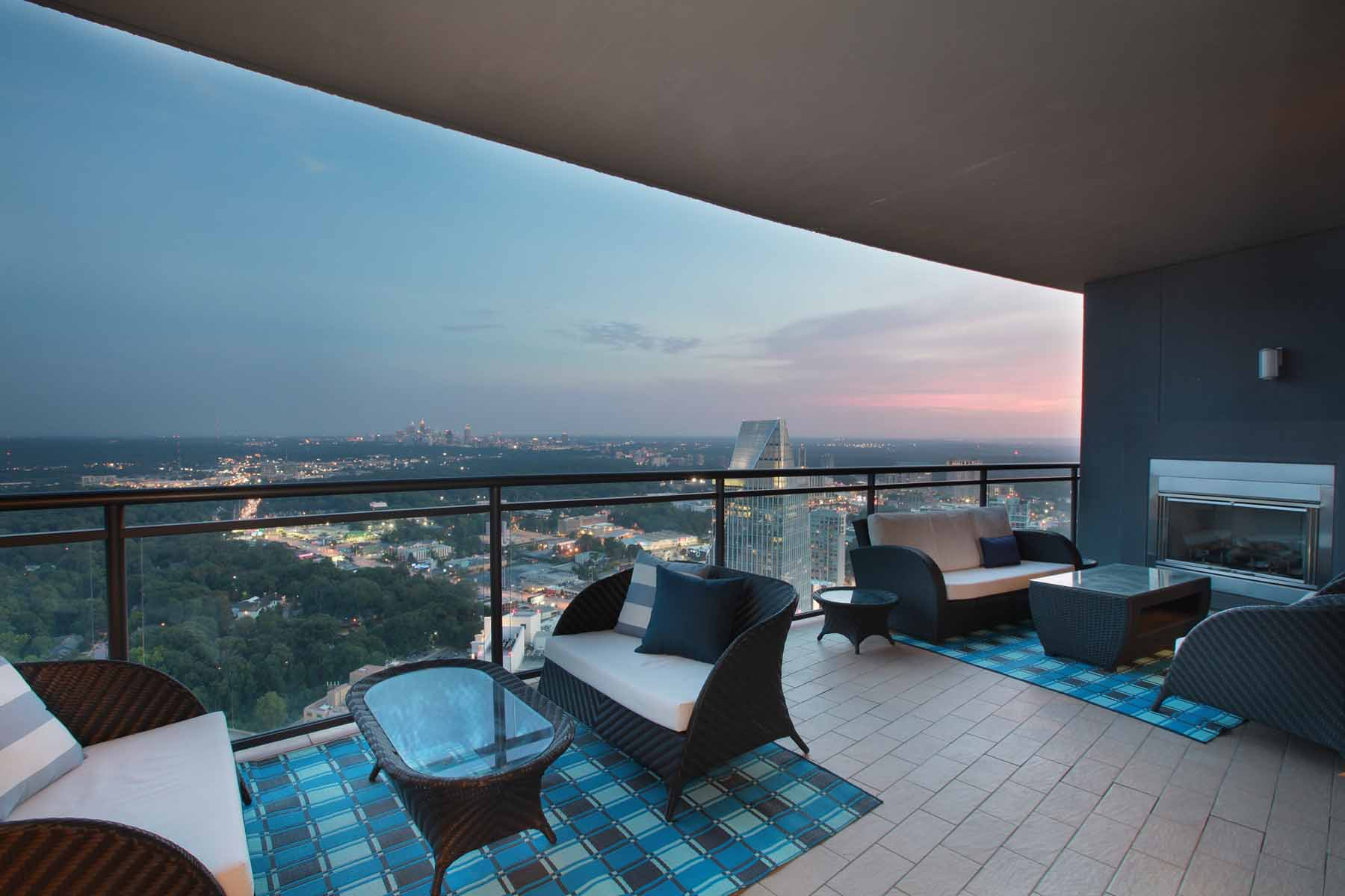 Condominio per Affitto alle ore Stunning Sovereign Lease 3344 Peachtree Road NE #4004 Atlanta, Georgia 30326 Stati Uniti