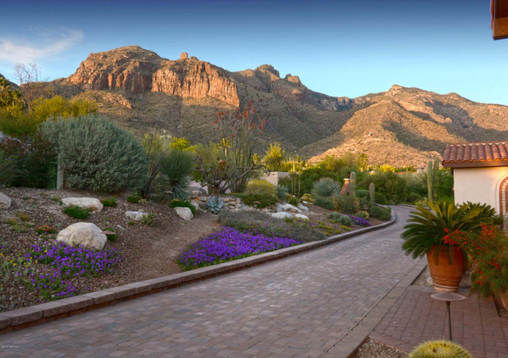 Single Family Home for Sale at Custom Catalina Foothills home in the quiet, gated community of Cobblestone. 3200 E Crest Shadows Drive Tucson, Arizona 85718 United States