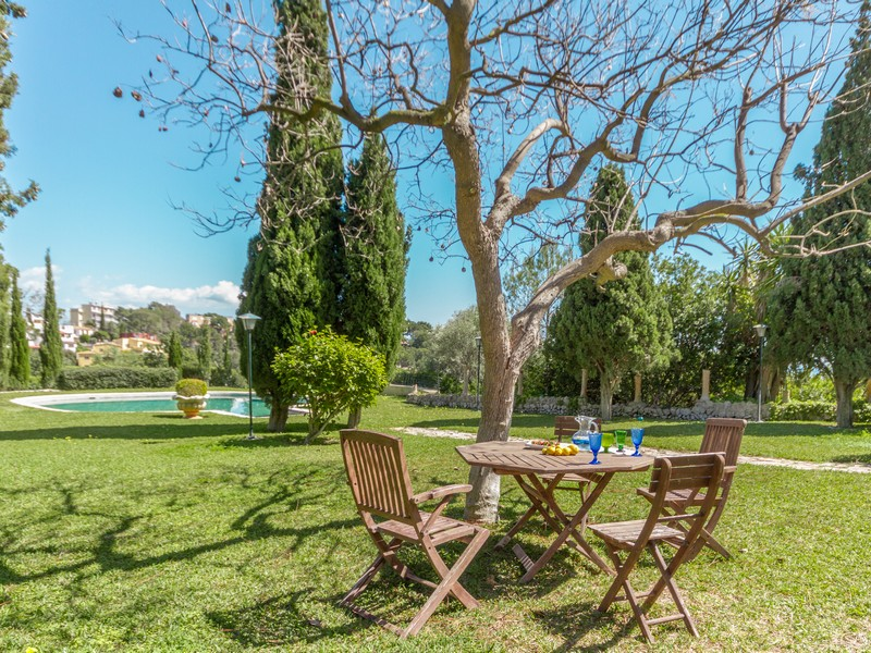 Property Of Romantic Country House in Genova