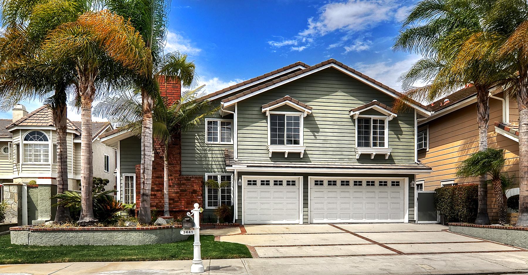 Nhà ở một gia đình vì Bán tại 3441 Venture Drive Huntington Beach, California 92649 Hoa Kỳ