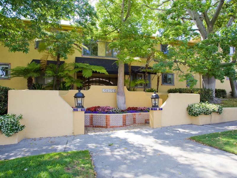 Vivienda unifamiliar por un Venta en 1615 N. Laurel Ave #206 1615 North Laurel Ave 206 Los Angeles, California 90046 Estados Unidos