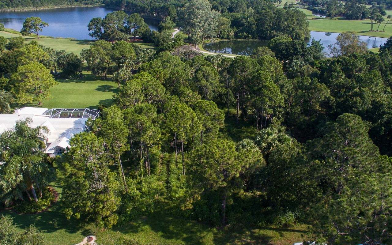 Single Family Home for Sale at Golf Community 5855 Glen Eagle Lane Vero Beach, Florida, 32967 United States