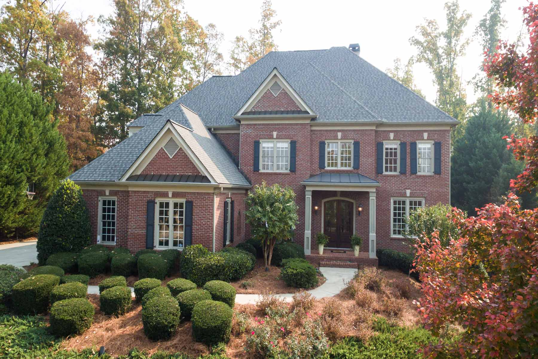 단독 가정 주택 용 매매 에 Extraordinary Home In Jack Nicklaus Designed Golf Community 7285 Laurel Oak Drive Suwanee, 조지아, 30024 미국