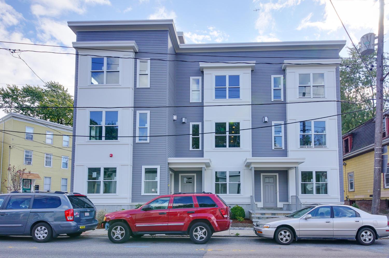 多棟聯建住宅 為 出售 在 Inviting City Views 242 Amory Street Jamaica Plain, Boston, 麻塞諸塞州 02130 美國