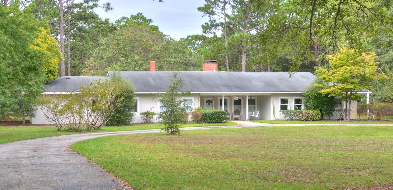 Casa Unifamiliar por un Venta en Enduring in Town Location 613 E Leonard St Southport, Carolina Del Norte 28461 Estados Unidos