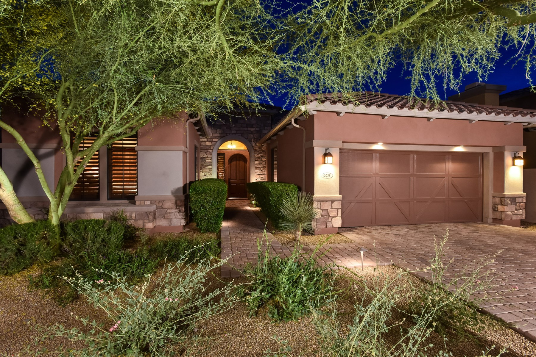Single Family Home for Sale at Fabulous Single Level Home On A Prime View Lot In North Scottsdale 9973 E Edgestone Drive Scottsdale, Arizona 85255 United States