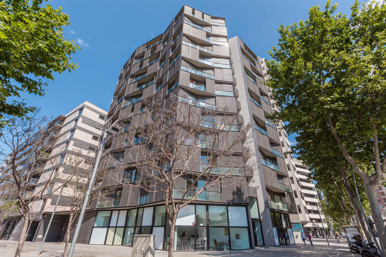 Apartamento por un Venta en Ático dúplex amueblado en venta con vistas formidables a la ciudad y al mar Barcelona City, Barcelona España