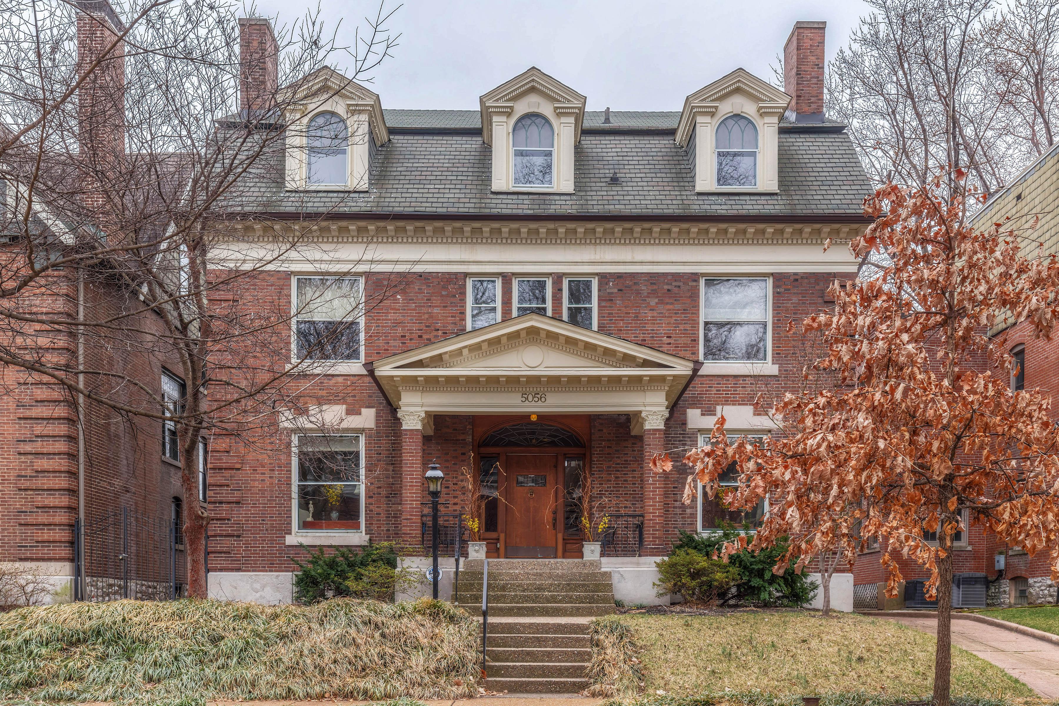 Einfamilienhaus für Verkauf beim Grand Residence of Distinction 5056 Westminster Place St. Louis, Missouri, 63108 Vereinigte Staaten