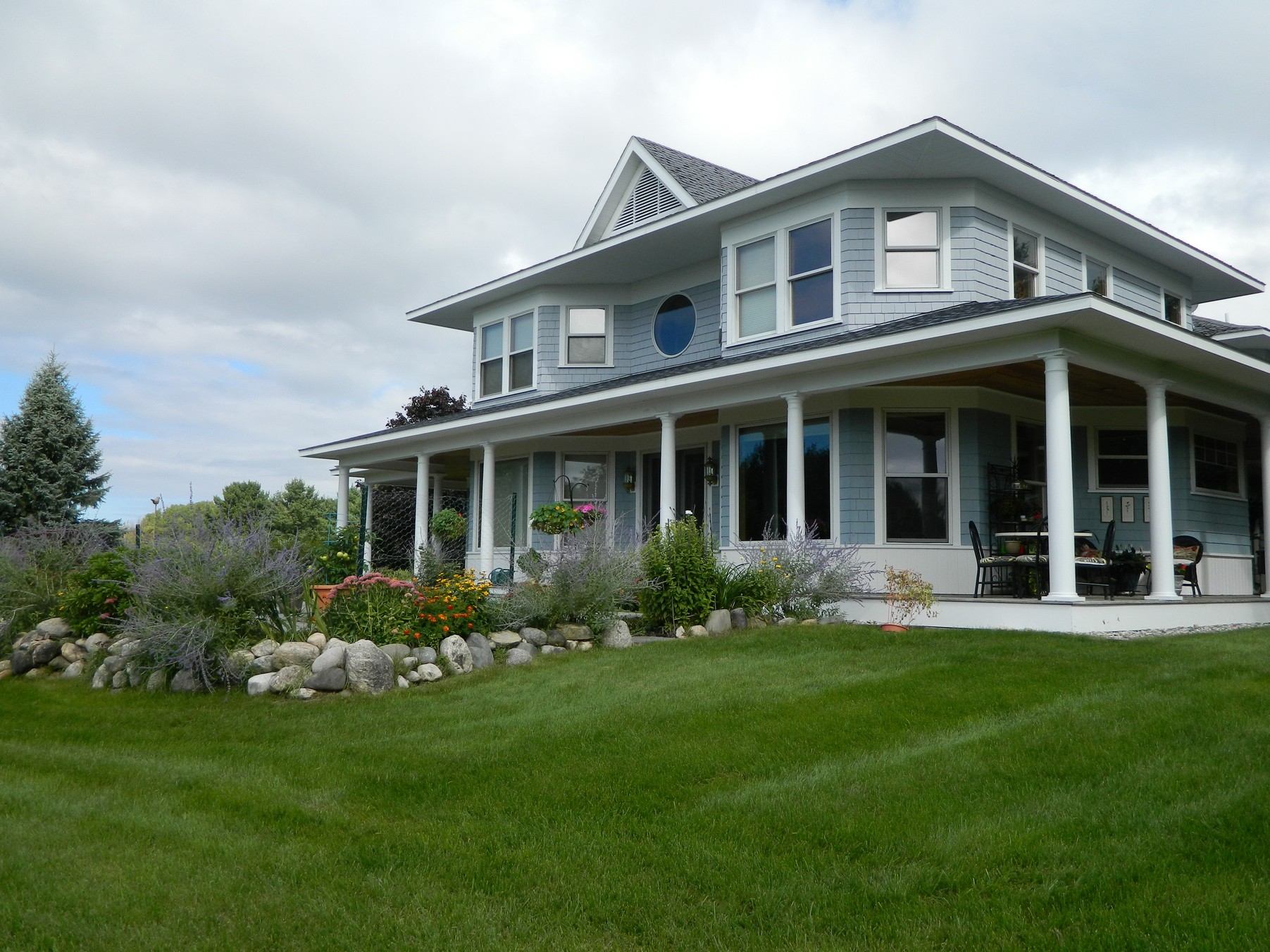 Single Family Home for Sale at 6281 S. Lake Shore Drive, Harbor Springs Harbor Springs, Michigan, 49740 United States