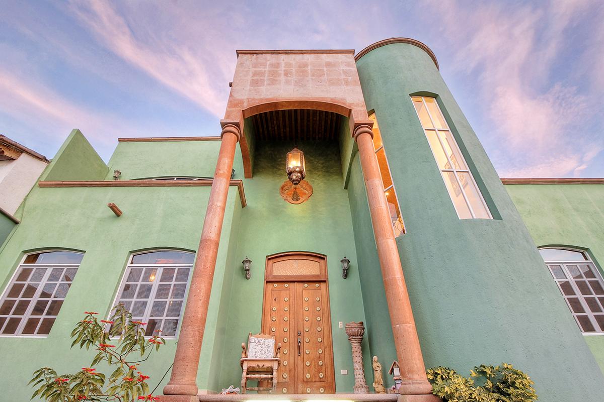 Частный односемейный дом для того Продажа на Casa Verde Tesoro #8 San Miguel De Allende, Guanajuato 37790 Мексика