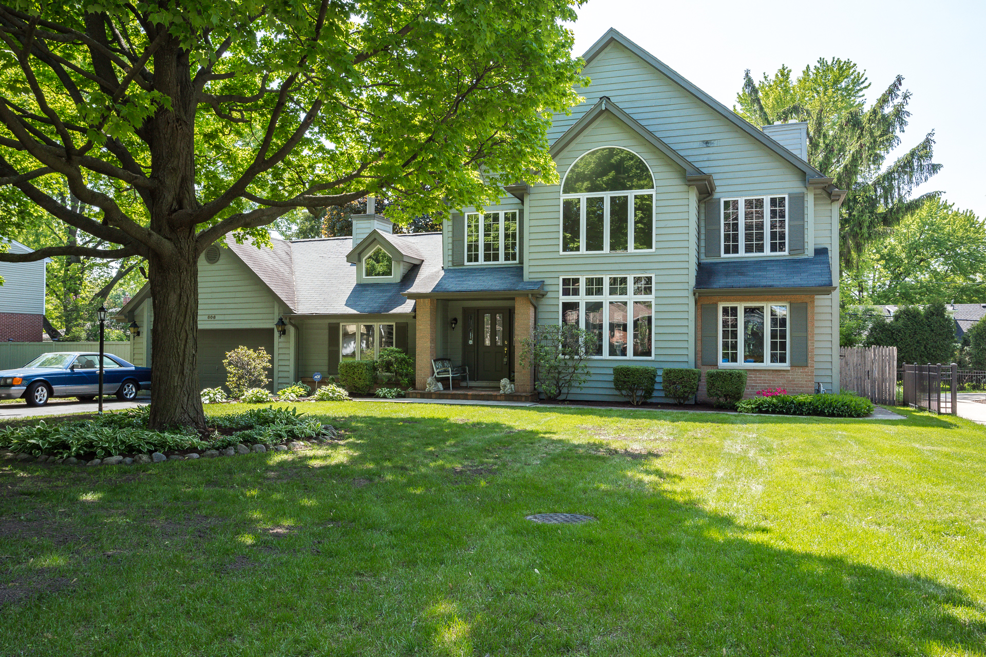 Single Family Home for Sale at 606 Justina 606 Justina Street Hinsdale, Illinois, 60521 United States