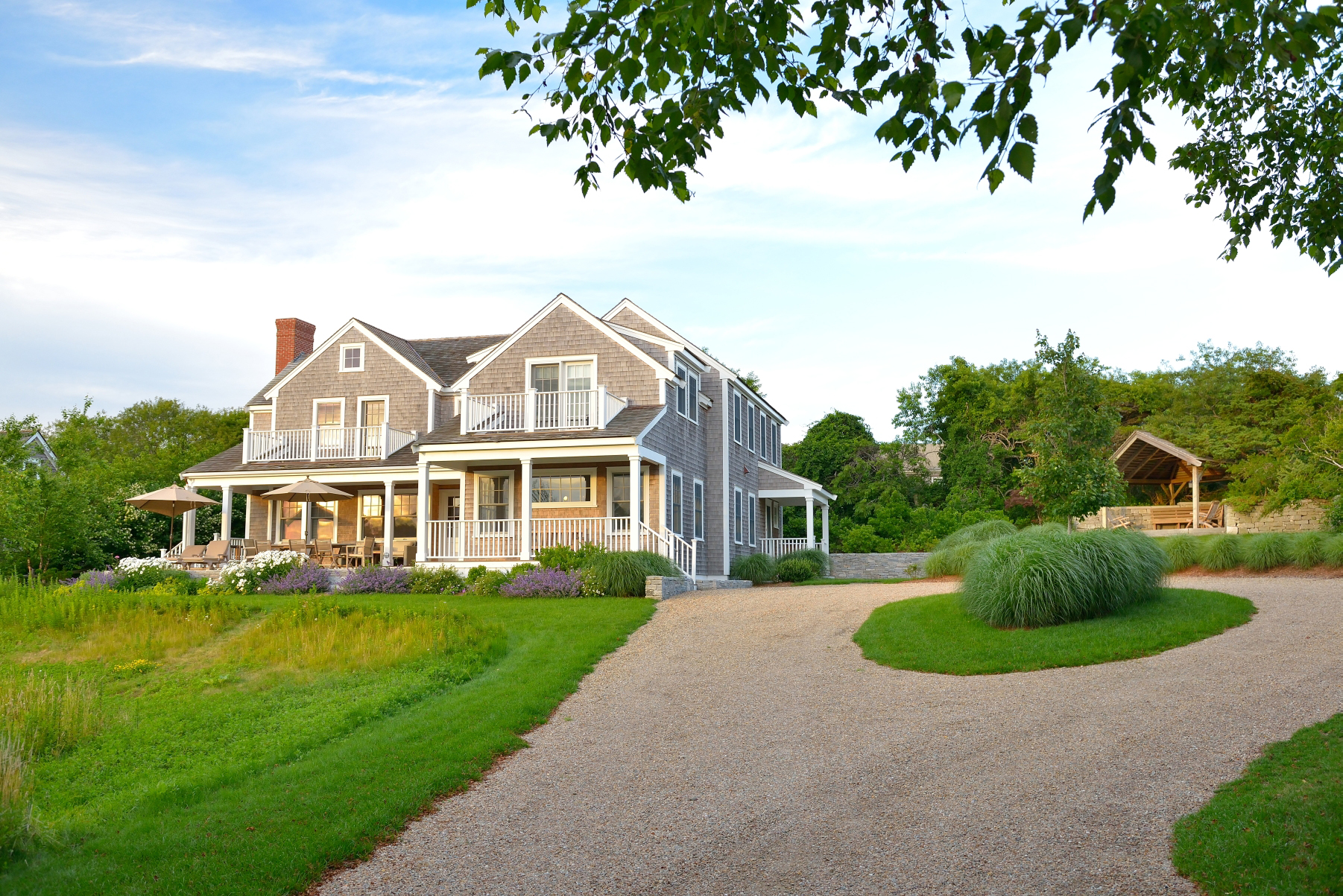 Villa per Vendita alle ore Beautifully Situated Home 91 West Chester Street Nantucket, Massachusetts, 02554 Stati Uniti