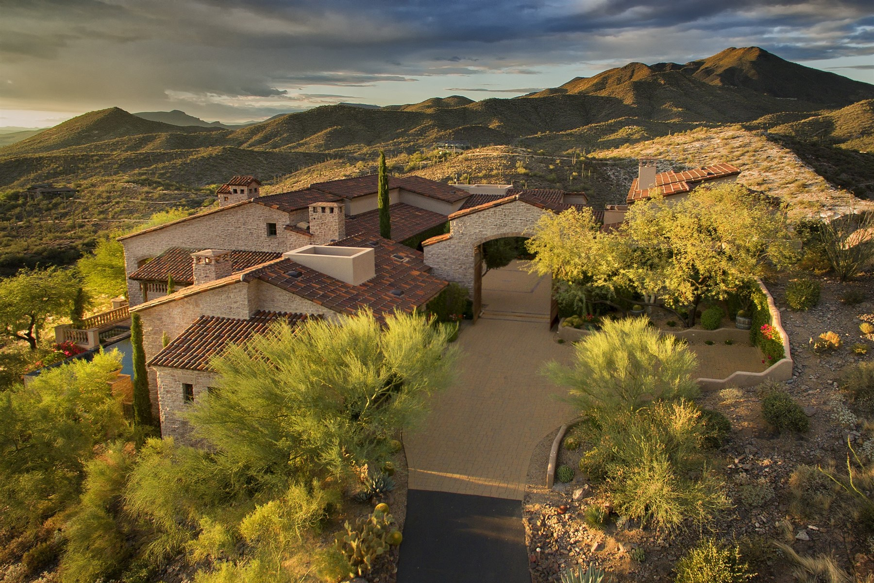 Single Family Home for Sale at Private gated 6+ acre estate perched on a hillside in Carefree Ranch 39429 N Tom Morris Rd Scottsdale, Arizona, 85262 United States
