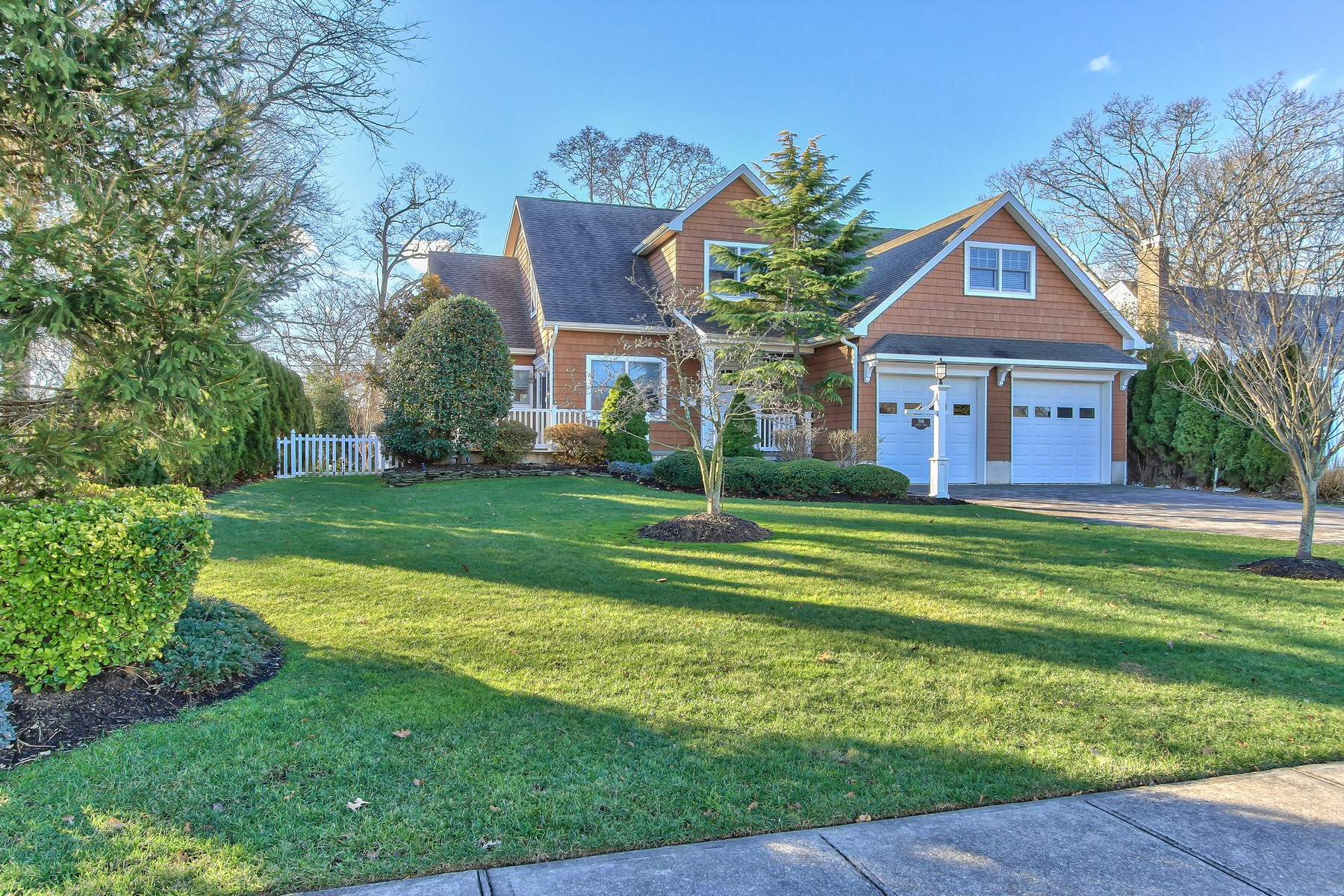 Single Family Home for Sale at Sea Girt Retreat! 506 Chicago Boulevard Sea Girt, New Jersey 08750 United States