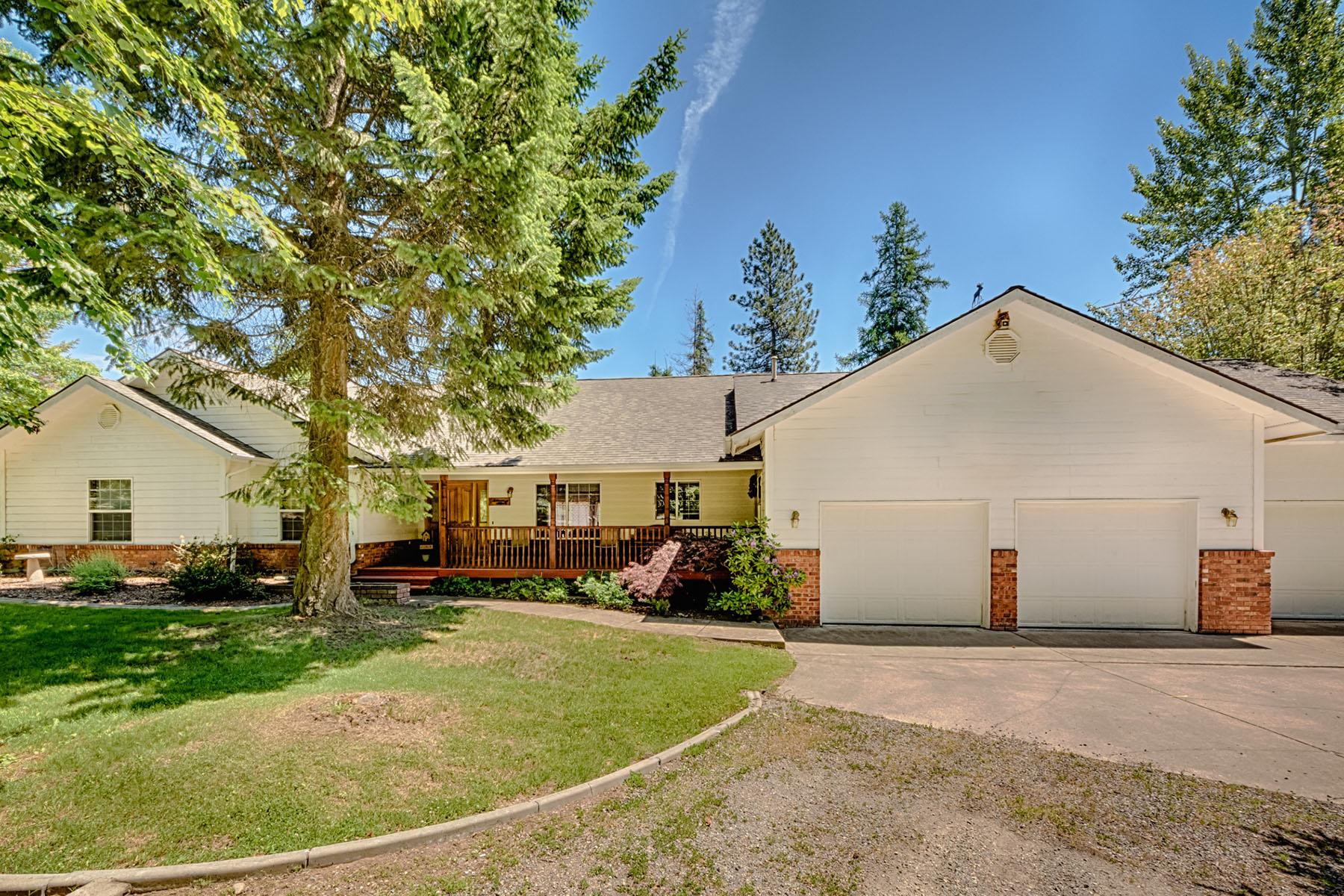 단독 가정 주택 용 매매 에 Secondary Waterfront Horse property 12524 N CHICKEN POINT RD Hayden, 아이다호 83835 미국