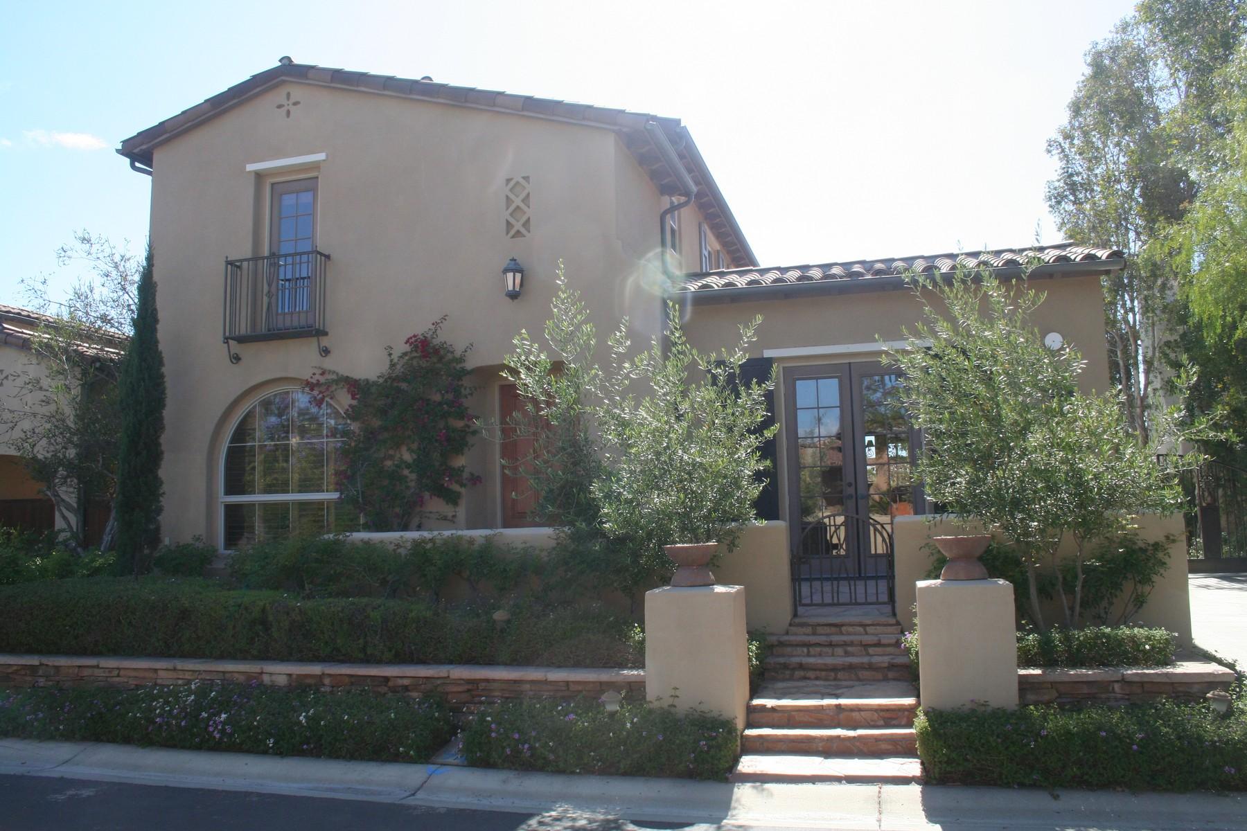 Casa para uma família para Venda às 1457 Luna Media 14574 Luna Media San Diego, Califórnia, 92127 Estados Unidos