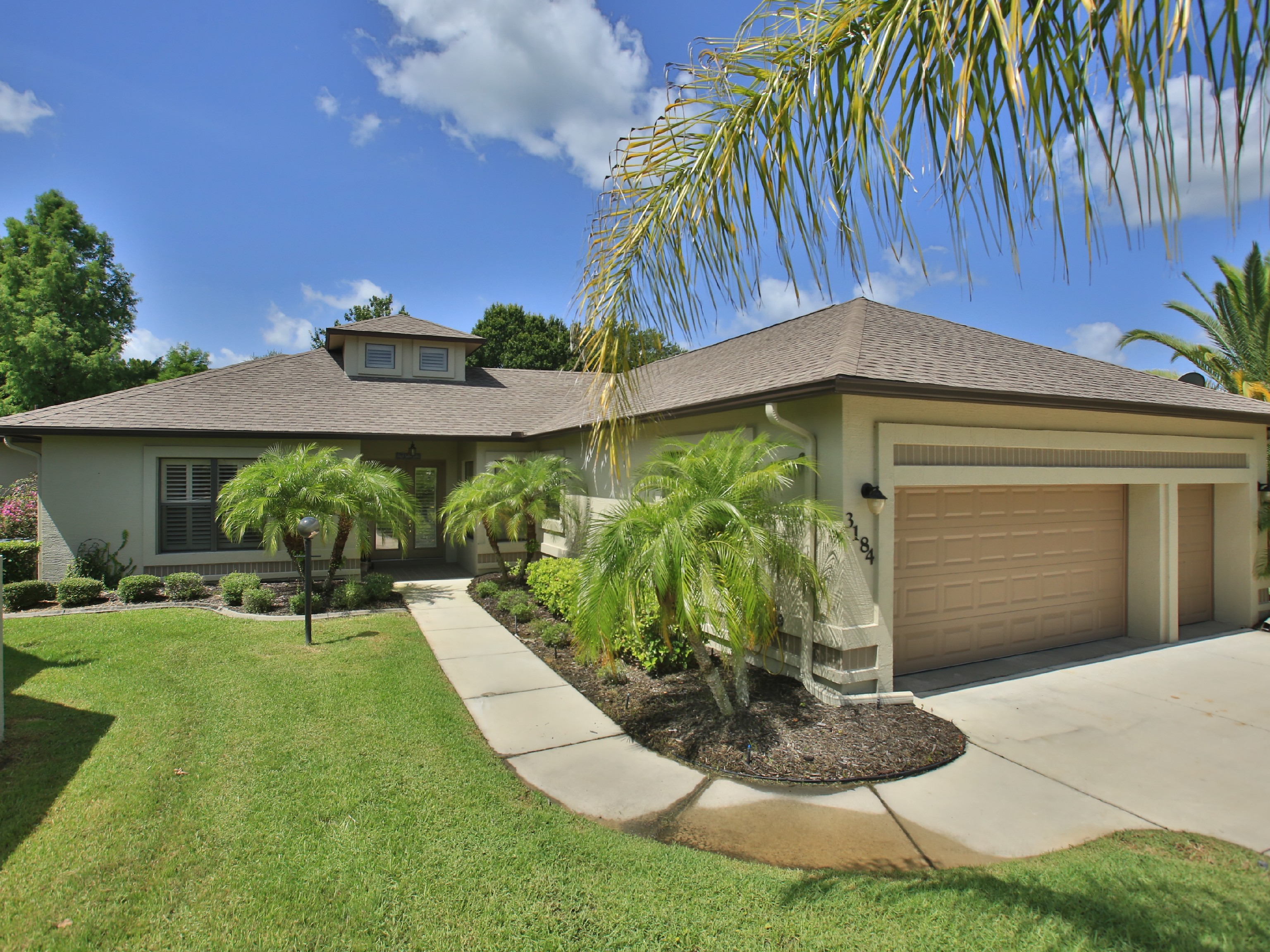 Single Family Home for Sale at Daytona Beach, Florida 3184 Royal Birkdale Way Port Orange, Florida 32128 United States