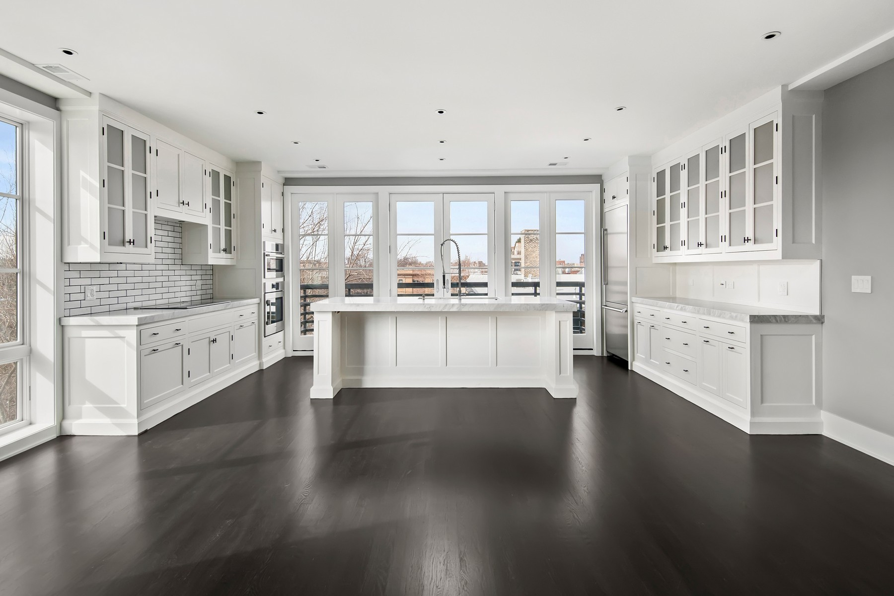 콘도미니엄 용 매매 에 Luxury Boutique Residence 3438 N Elaine Place Unit FOUR Lakeview, Chicago, 일리노이즈, 60657 미국