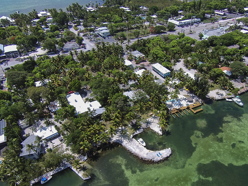 Additional photo for property listing at Bayfront Charming Cottage 82226 Overseas Highway Islamorada, Florida 33036 Vereinigte Staaten