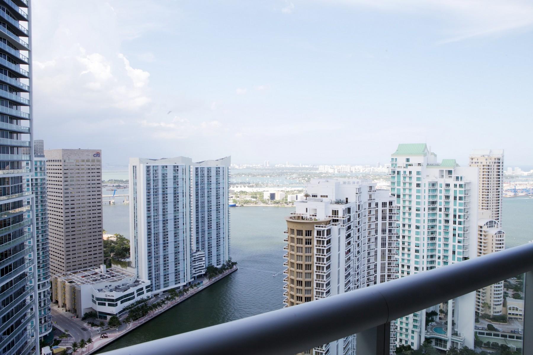 Condomínio para Venda às 495 Brickell Ave #4304 495 Brickell Avenue Unit 4304 Miami, Florida 33131 Estados Unidos