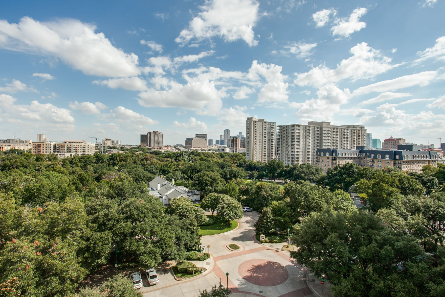 Condominium for Sale at Mayfair Magnificence 3401 Lee Parkway #804 Dallas, Texas 75219 United States