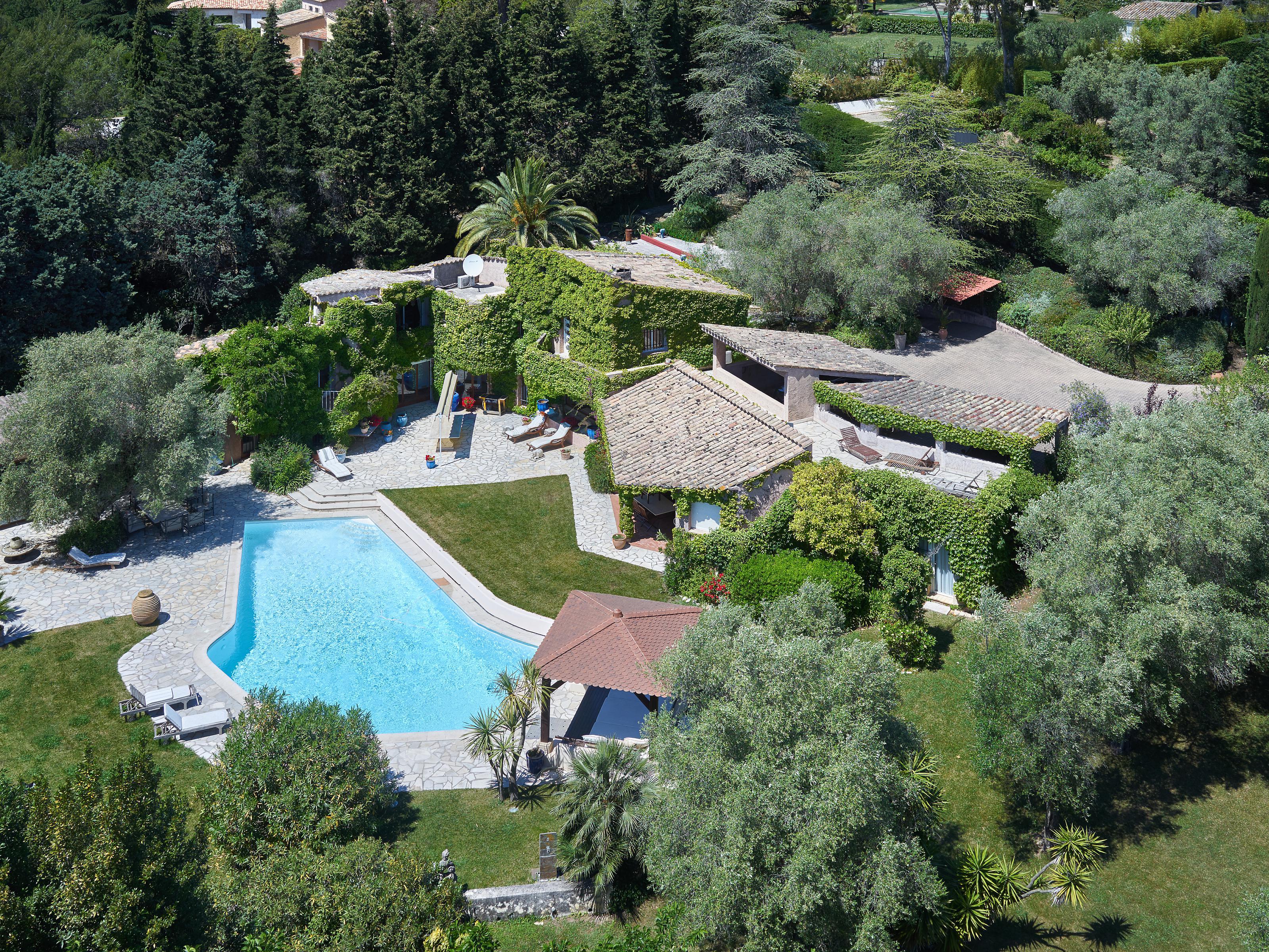 独户住宅 为 销售 在 Luxury property for sale - best deal of Mougins Mougins, 普罗旺斯阿尔卑斯蓝色海岸 06250 法国