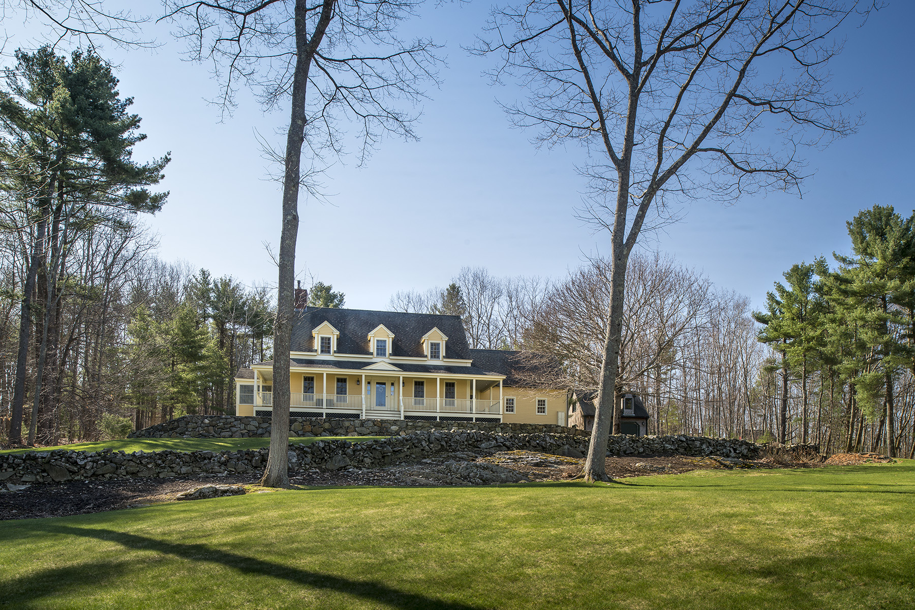 Single Family Home for Sale at 8 Old Seabury 8 Old Seabury Road York, Maine, 03909 United States