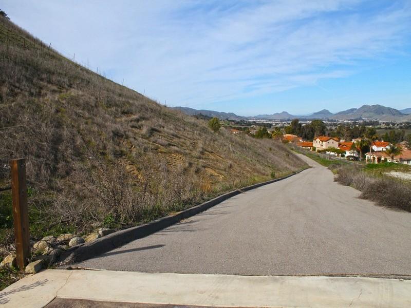Terreno para Venda às 11+ Acres overlooking Edna Valley & City of SLO Whiskey Run Lane San Luis Obispo, Califórnia, 93401 Estados Unidos