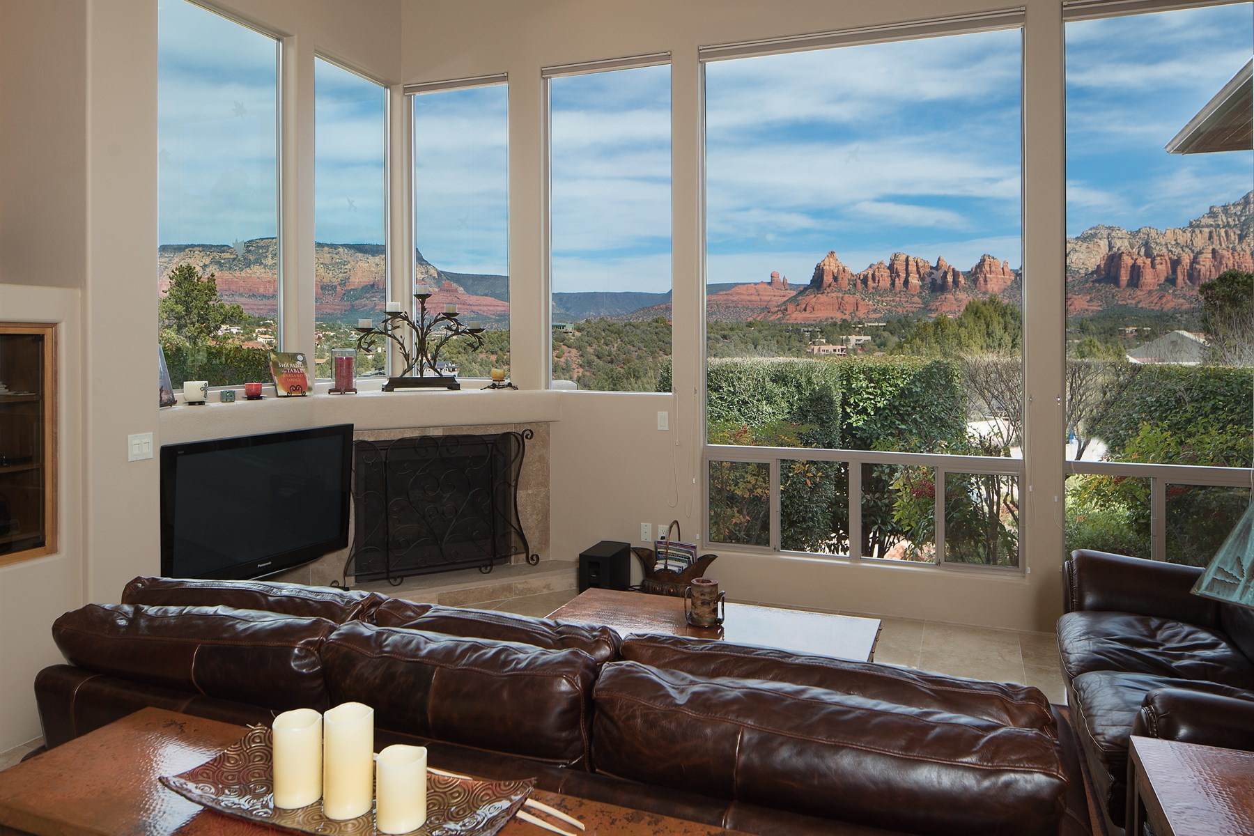 Single Family Home for Sale at Immaculate Sedona home perched on a hilltop with tremendous red rock views 112 Caballo Sedona, Arizona, 86336 United States