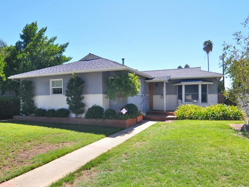 Single Family Home for Sale at 15924 San Fernando Mission Granada Hills, California 91344 United States