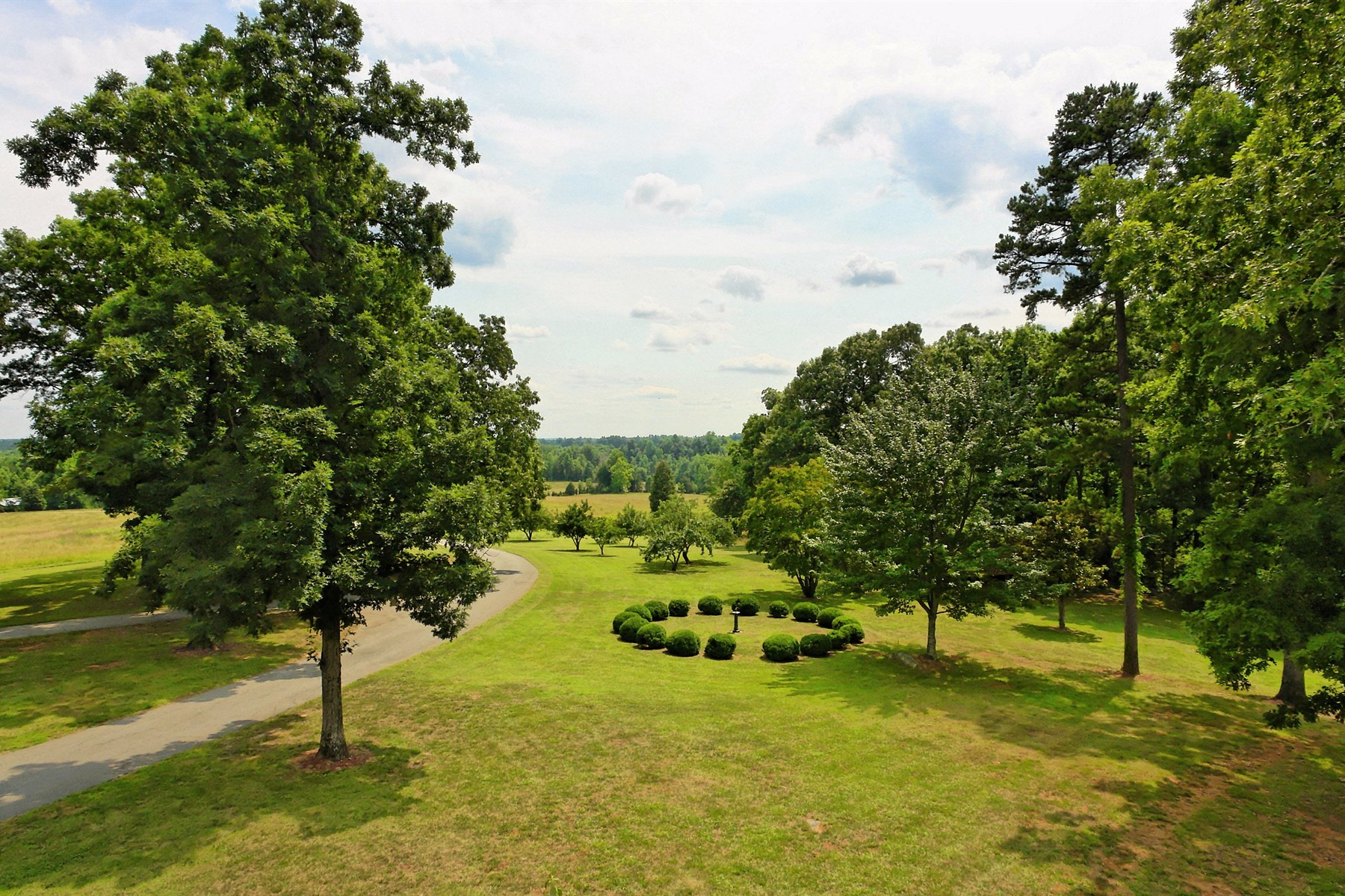 Additional photo for property listing at Highfield Plantation 6700 New Sharon Church Rd Rougemont, Carolina Del Norte 27572 Estados Unidos