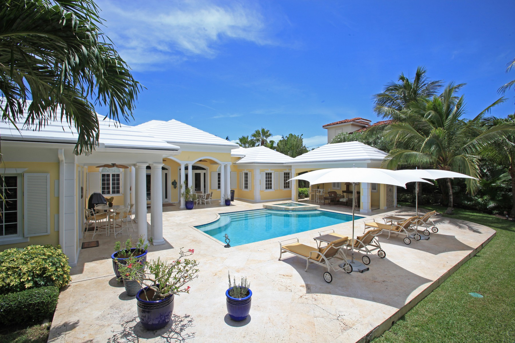 Single Family Home for Sale at Ocean Club Estates #30 Ocean Club Estates, Paradise Island, Nassau And Paradise Island Bahamas