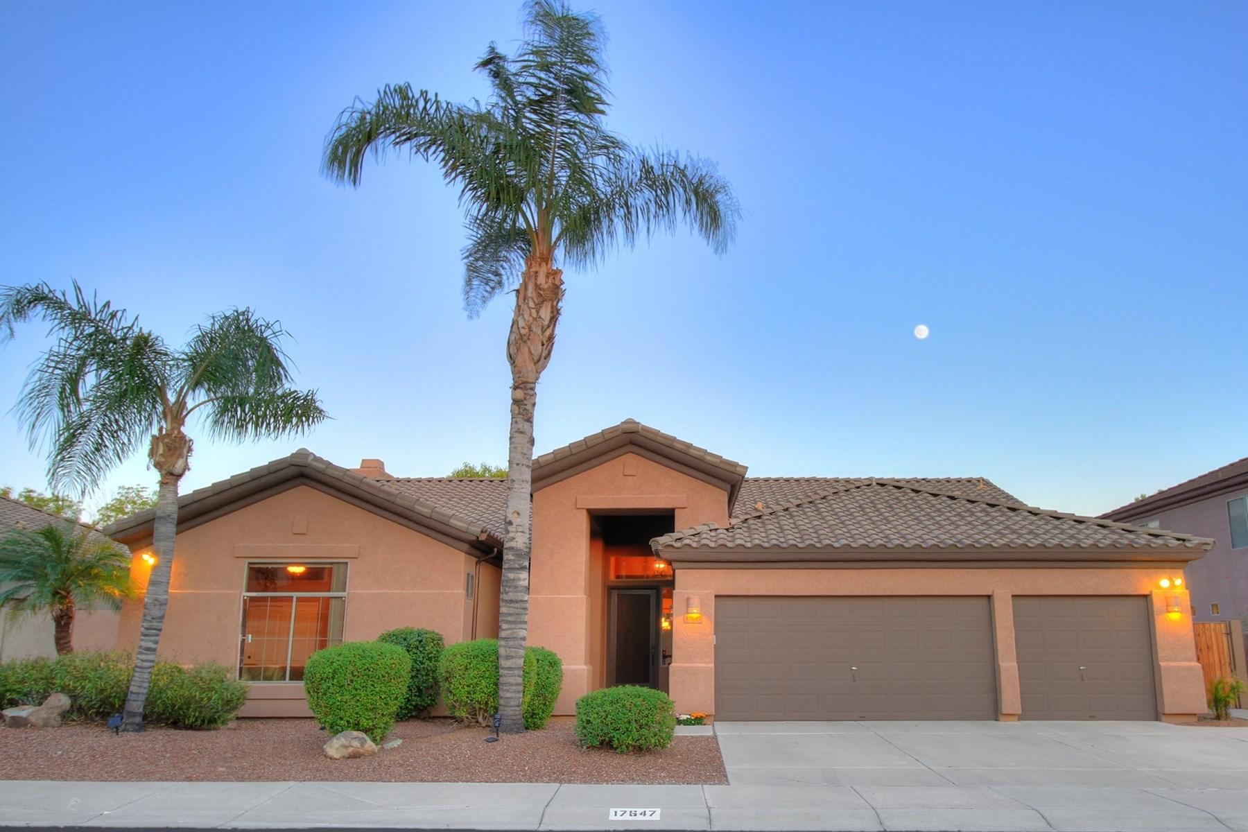 Nhà ở một gia đình vì Bán tại Beautifully updated and open floor plan 17647 N 52nd Pl Scottsdale, Arizona 85254 Hoa Kỳ